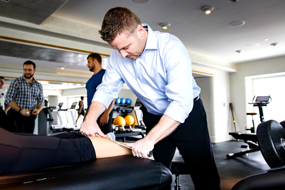 Are you suffering from alignment problems? The chiropractic doctors at USA Sports Therapy are skilled in techniques that alleviate pain, decrease muscle tightness and spasm. Book an appointment today!