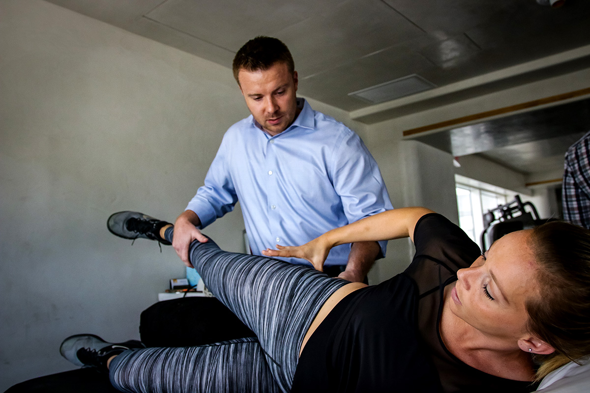 At USA Sports Therapy | Miami we treat musculoskeletal conditions such as fractures, sprains, tendonitis, bursitis, back and neck pain. To find out more or to book an appointment, give us a call at 305.239.9493